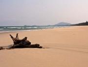 Bang Berdin autiolla rannalla