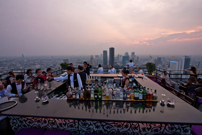 Pilvenpiirtäjäbaari Vertigo Bangkok