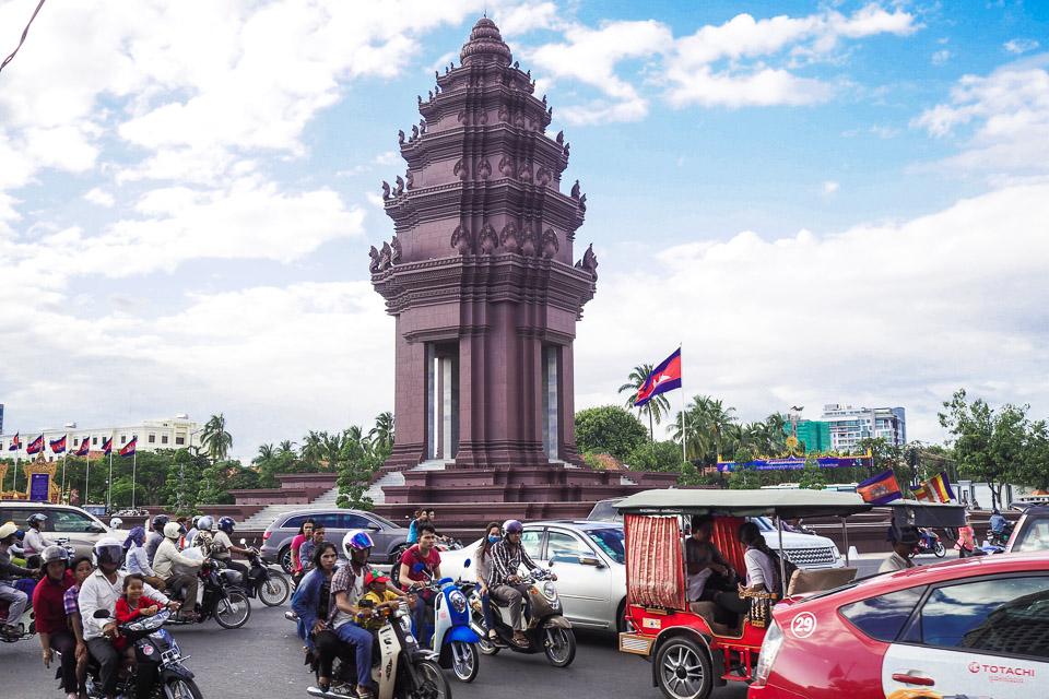 Phnom Penhin kaupunkitunnelmia.