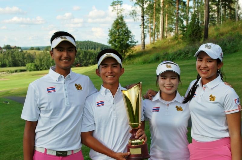 Thaimaan voittajanelikko Sadom, Witchayanon, Kanyalak ja Pajaree.